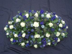 Rouwstuk blauw wit